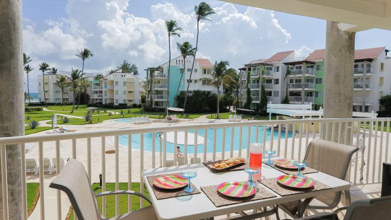 Fabulous views of Bavaro Beach, and the oceanside pool right outside your door. Perfect Ocean breeze.