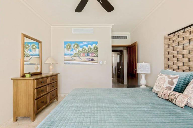 pic-24-queen-bedroom2
